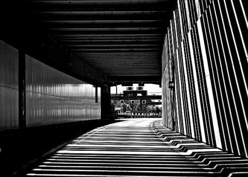 elbe-tunnel-3720025_640-blackwhite